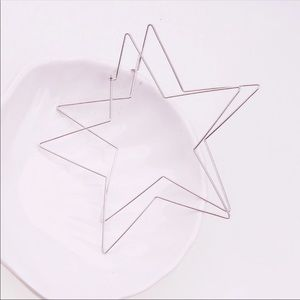 NEW Silver wire star earrings